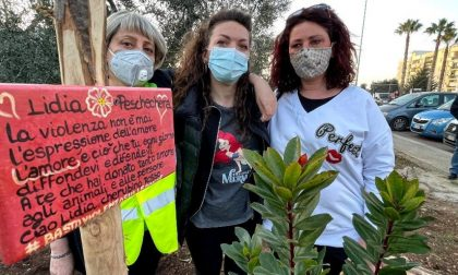 Un albero in memoria di Lidia Peschechera uccisa a 49 anni dal compagno