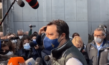 """Salvini difende il modello Lombardia: """"Da lunedì cinquantamila vaccinazioni al giorno"""""""