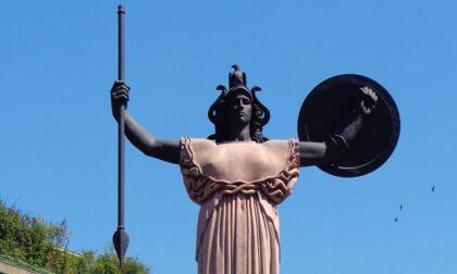 Oggi si spegneranno le luci della Statua della Minerva, ecco perché