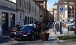 Rissa al mercato coperto di Vigevano, identificati e denunciati 9 giovani