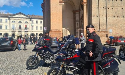 Carabinieri motociclisti pattugliano la città di Voghera