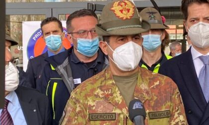 """Generale Figliuolo in Lombardia: """"Domani si passa al sistema di Poste"""""""