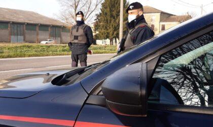 Denunciato 40enne, in auto aveva un coltello a serramanico e un bastone