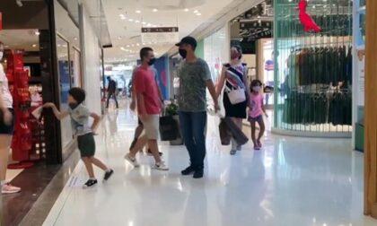 La riapertura dei centri commerciali nei weekend è sparita dal Decreto