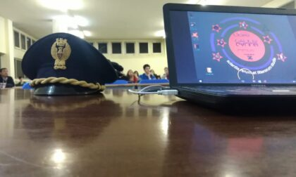 La Polizia incontra gli studenti per parlare di cyberbullismo e stupefacenti