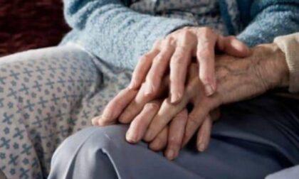 """""""I vaccinati possano far visita ai familiari in RSA"""", la proposta fatta a Speranza"""