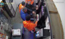 Assenteismo sul lavoro per svolgere faccende personali o giocare alle slot: 6 arresti per truffa ai danni di ente pubblico