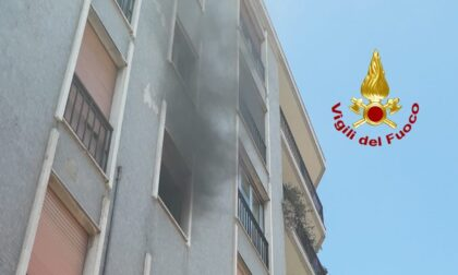 Le foto del principio di incendio in un appartamento di Vigevano