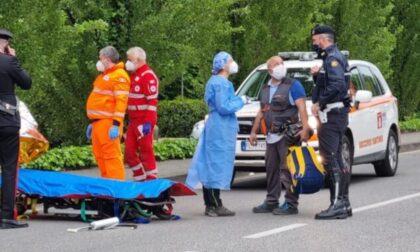Si scontra con un trattore in fase di sorpasso, muore motociclista 30enne
