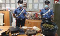 In casa due chili di marijuana e prodotti gastronomici rubati: tre persone denunciate
