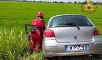 Perde il controllo dell'auto e finisce nel fossato della Provinciale