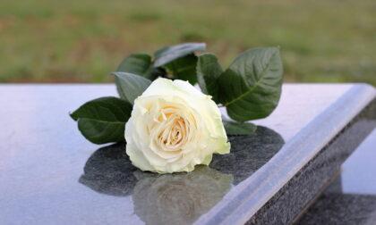 A Pavia una targa in memoria delle vittime del Covid